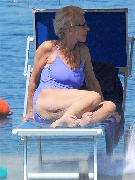 Helen Mirren Bathtub by Christie Brinkley Macpherson And Helen Mirren S
