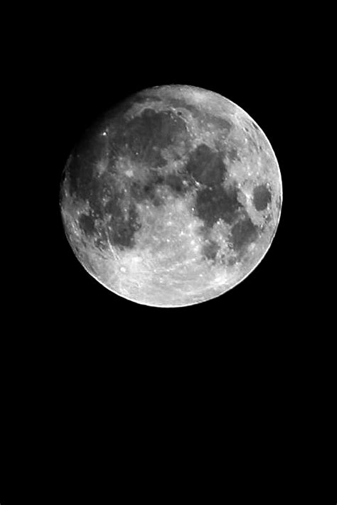 photograph  moon   dslr