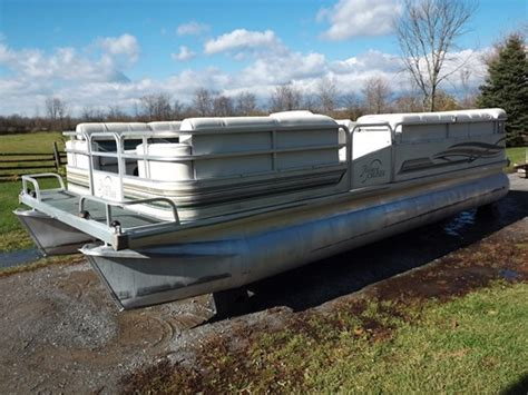 pontoon boats for sale used ontario riviera cruiser 22 pontoon 2000 used boat for sale in