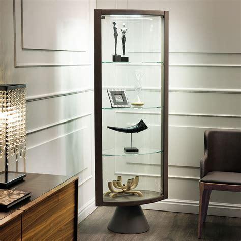 vetrina moderna soggiorno vetrina angolare con piedistallo saba di cattelan