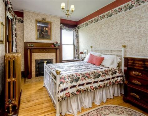 old victorian bedrooms pretty 114 years old victorian house digsdigs