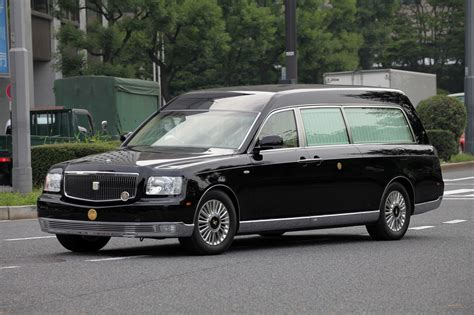 toyota century toyota century royal imperial 2 hearse