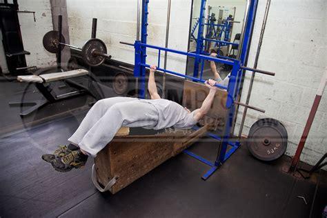 smith machine decline bench press smith machine decline bench press