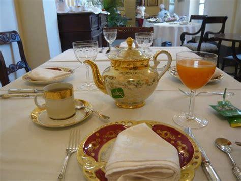 tavola apparecchiata per colazione tavola apparecchiata per la colazione foto di hotel