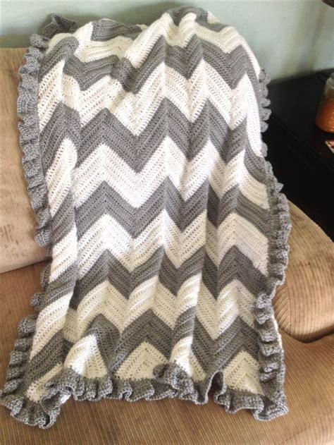 white pattern blanket 25 best ideas about chevron baby blankets on pinterest