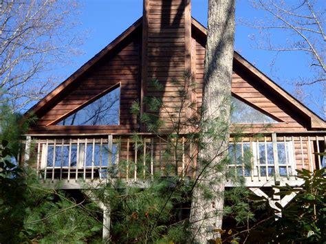 Watauga Lake Cabins by Watauga Lake Cabin Rental A Charming Secluded Cedar Cabin