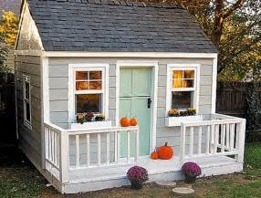 Who Plays In House by Best 25 Diy Playhouse Ideas On