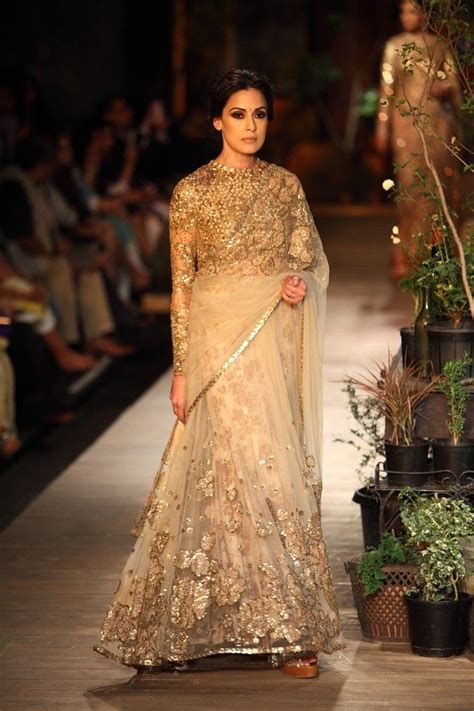 Sabyasachi Sarees Collection With Chic Blouse And Pallu