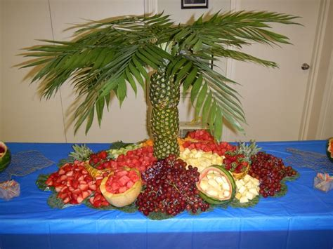 pineapple tree fruit table ideas
