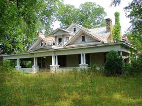 abandoned homes for best 25 abandoned homes ideas on abandoned