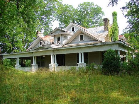 abandoned houses for sale best 25 abandoned homes ideas on pinterest abandoned houses old abandoned houses