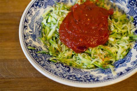 zucchini möhren kuchen schnelles zucchini spaghetti rezept vegan roh