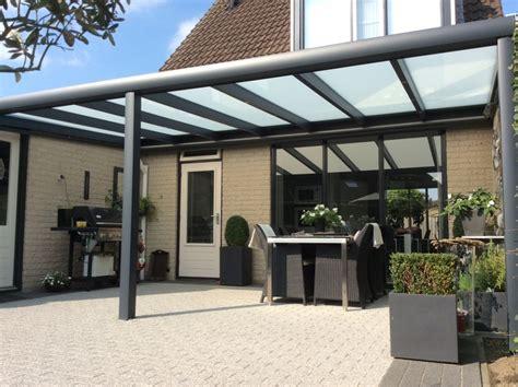 veranda reihenhaus zonwering zeeland terrasoverkapping met zonwering