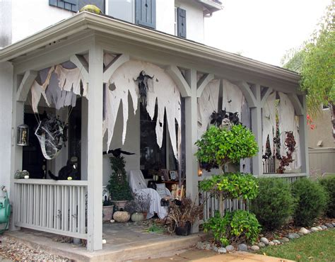 Halloween Decorations For Front Porch 301 Moved Permanently