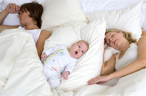 schlafen baby so finden babys ihren schlaf rhythmus baby und familie