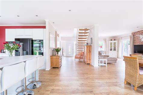 offene grundriss küche esszimmer wohnzimmer eingangsbereich wohnzimmer esszimmer und k 252 che in