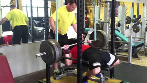 500lb bench press 500 lb reverse band bench press youtube