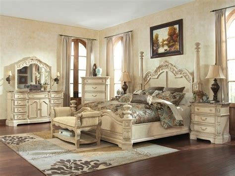 White Master Bedroom Furniture by Antique White Bedroom Furniture Raya Furniture