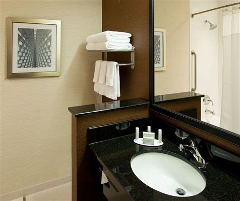 deals on bathroom suites fairfield inn suites by marriott milwaukee downtown