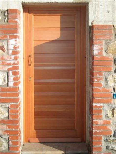 portoncino ingresso legno portoncino ingresso a doghe in larice porte e portoncini
