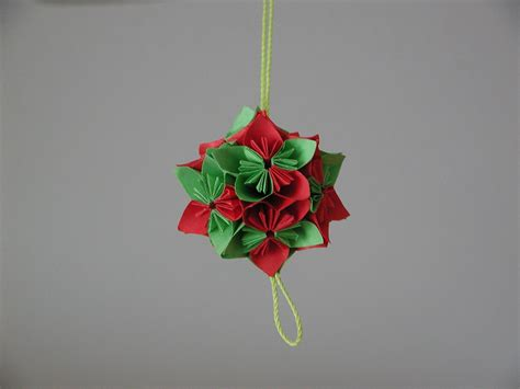 Easy Origami Ornaments - tree ornament origami decorating