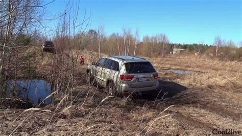 Off Road Test Subaru Outback vs Jeep Grand Cherokee vs