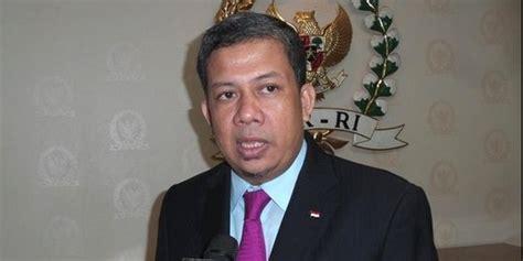 biografi fahri hamzah pks ribut dengan fahri hamzah pks kehilangan kursi ketua mkd