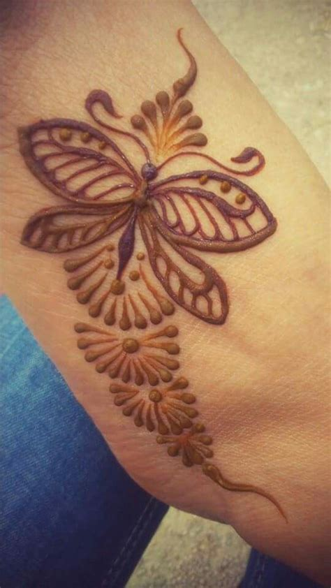 henna tattoo butterfly 1000 ideas about henna butterfly on butterfly
