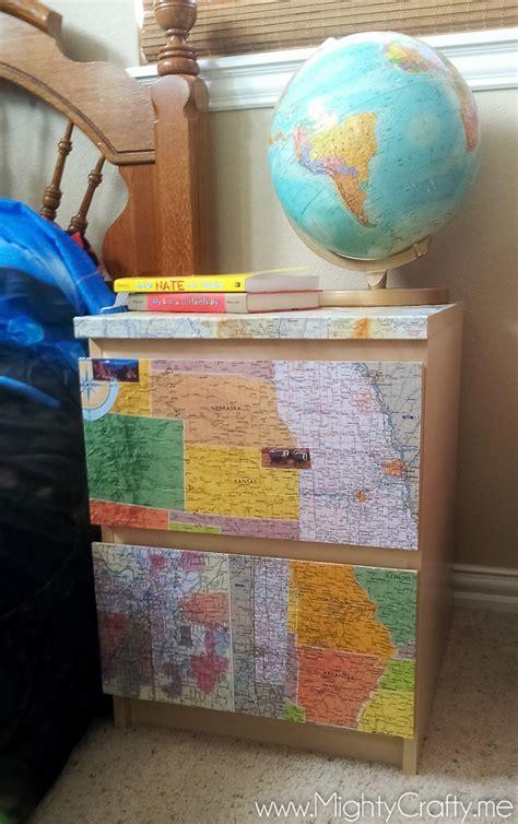 mightycrafty boys room decor  maps  globes