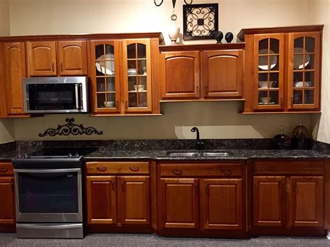 reico kitchen cabinets reico kitchen cabinets woodharbor provence cherry kitchen