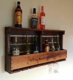 Fabriquer Un Bar De Cuisine #1: etagere-palette-vin-meubles-palettes-cuisine-bouteille-en-bois-pas-cher-idee-fabriquer-rangement-porte-bouteilles.jpg