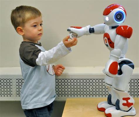 film robot e bambino robot speaks the language of kids uconn today