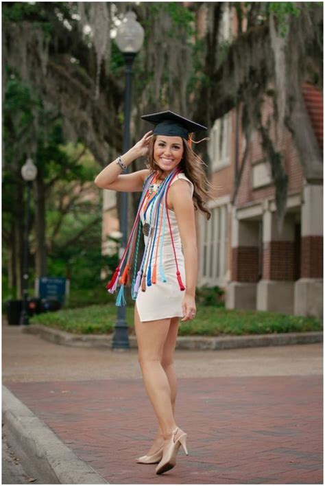 senior graduation pinterest 12 steps to your perfect graduation outfit college