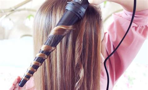 different hair styles withthe wand how to curl your hair with a wand the right way