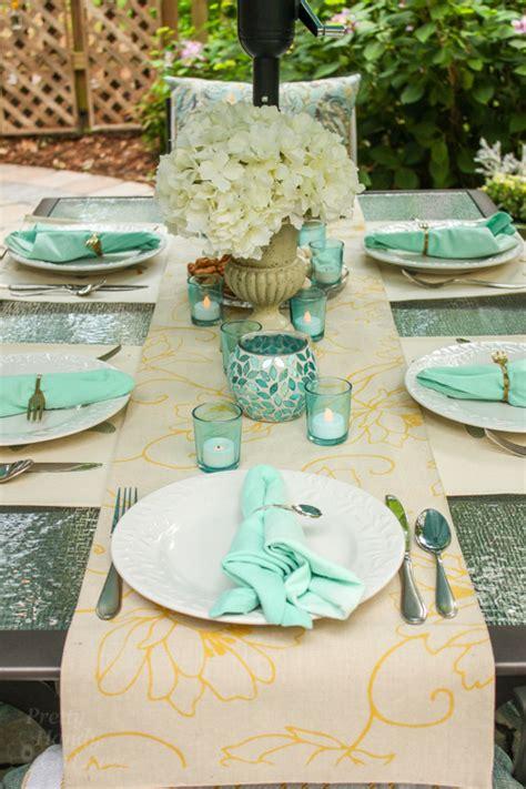 Outdoor Table Runner Decorating Ideas For An Outdoor Garden Party Pretty