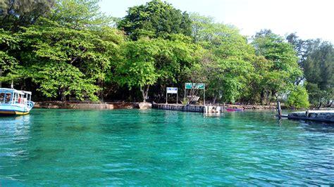 Lu Taman Bulat Besar pulau harapan april s journal