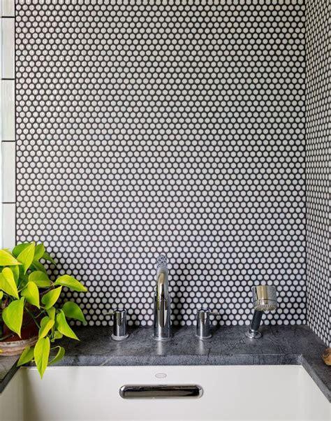 round bathroom tiles best 25 penny round tiles ideas on pinterest