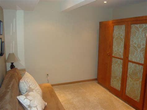 non conforming bedroom 1527 for rent