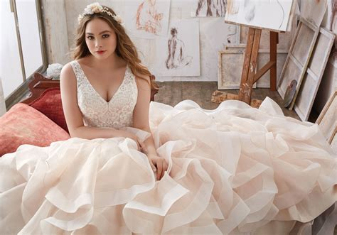 Wedding Hair For Plus Size Brides by 4 Bridal Fashion Tips For Plus Size Brides Westchester
