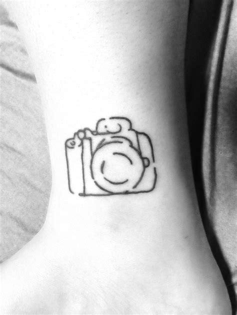 geometric tattoo camera vintage camera tattoo tattoo s piercings pinterest