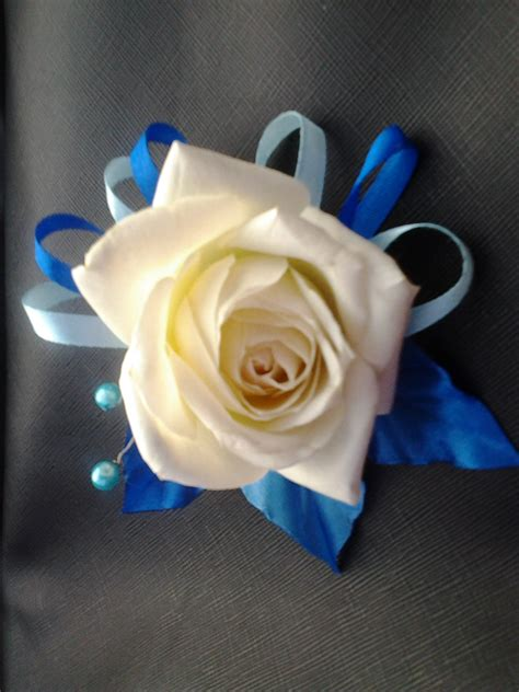 Ilbab Bayi Dan Anak Bunga Bunga Biru Elektrik Cantik jual corsage biru bunga mawar putih asli