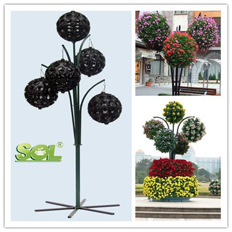 Decorative Indoor Hanging Planters by Hanging Flower Planter Decorative Hanging Flower Planters