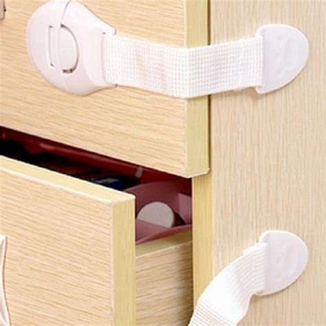 Baby Safety Drawer by Compare Prices On Drawer Safety Catches Shopping