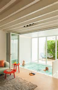 maison de ville contemporaine mini piscine int 233 rieure