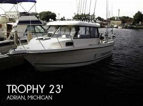 trophy boats for sale in michigan sold trophy 2359 hard top boat in adrian mi 049444