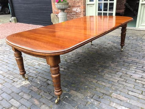 victorian mahogany extending dining table  leaves