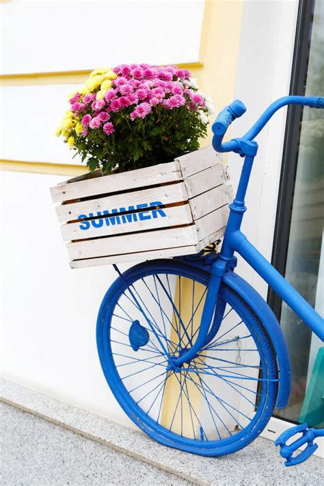 Bicycle Flower Planter by 33 Bicycle Flower Planters For The Garden Or Yard