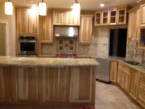 Kitchen Cabinets And Countertops Designs Kitchen With Hickory Cabinets And Travertine Backsplash With Granite Countertops New