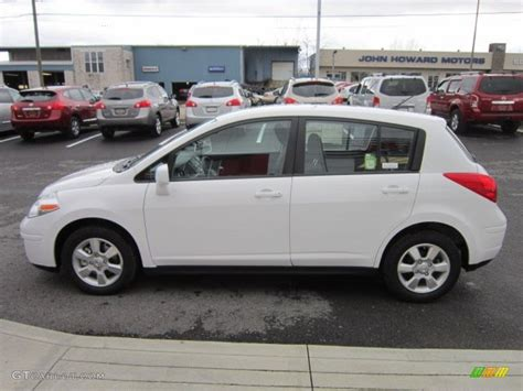 2012 Nissan Versa Hatchback by 2012 Nissan Versa Hatchback Pictures Information And