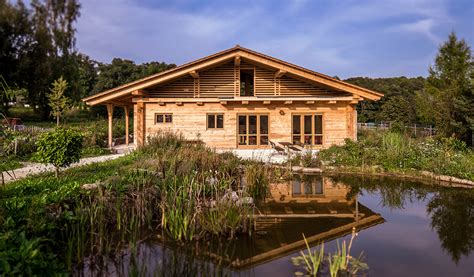 natur haus naturhaus mit offener b 252 hne f 252 r wildbienen duffner blockbau